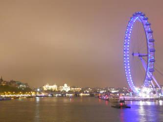 Down the Thames by darksporechild