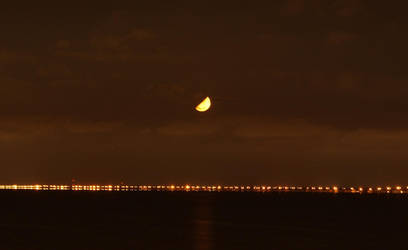Moon on Water by parang