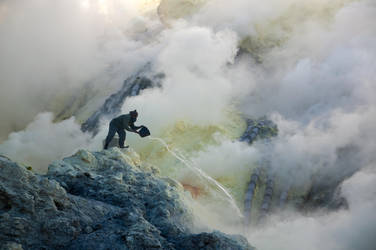 Sulphur by tsuketoe
