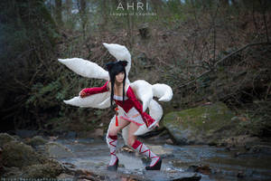 AHRI the Nine Tailed Fox by Benny-Lee