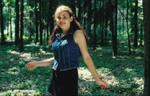jeune fillette dans une clairiere by Pippa-pppx