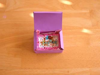 Cake in the Box by liyehuku