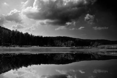 bw miror lake by marlene-dietrich