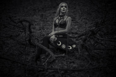 Forest Witch by Nefru-Merit