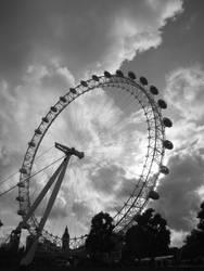 The eye of London by Juinny