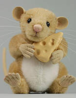 Chester the cheese loving mouse by LisaAP