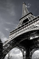 Eiffel Tower II by dealived