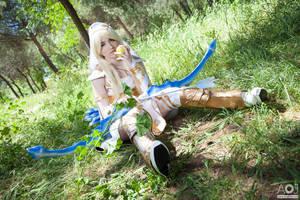 Ashe feeding herself - League of Legends by NunnallyLol