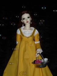 Mio in Arwen's yellow gown by idrilkeps