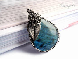 Labradorite and Silver Leaf Necklace, hand made by nurrgula