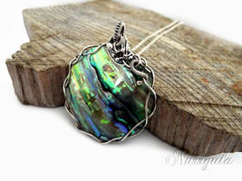 Paua Shell Silver necklace, aurora borealis shades by nurrgula