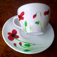 Poppies on a teacup by UszatyArbuz