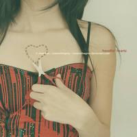 handlin' heartz by JeanFan