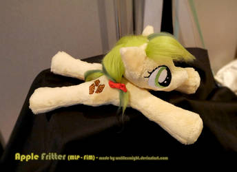 Apple Fritter Beanie Plush by Wolflessnight