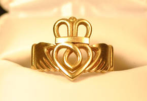 Claddagh Ring Traditional - Brass by dfoley75