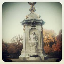 Beethoven monumentum in the Tiergarten - Berlin by Albanos