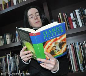 Secret Reading by PotionsTeddy