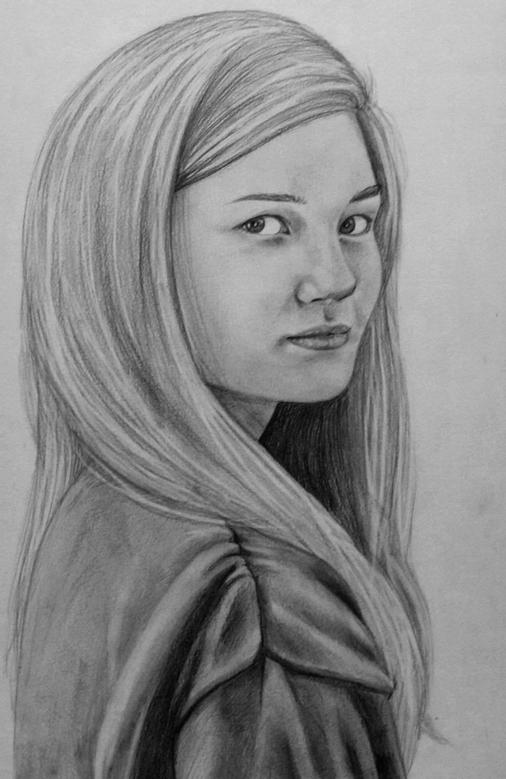 Portrait- Leni by Ayzlyn