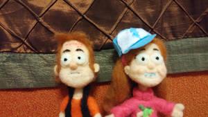 Mabel and Dipper closeup by feltgood