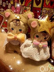 Bunka Bear Doll Broaches by lemontreecrafts