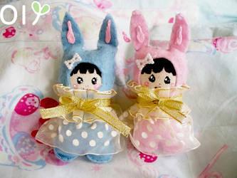 Strawberry and Bubblegum Bunny by lemontreecrafts
