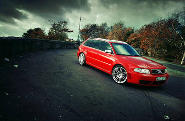 Audi RS4 - on the mountain - by dejz0r