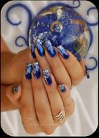 nail art cosmic by Tartofraises