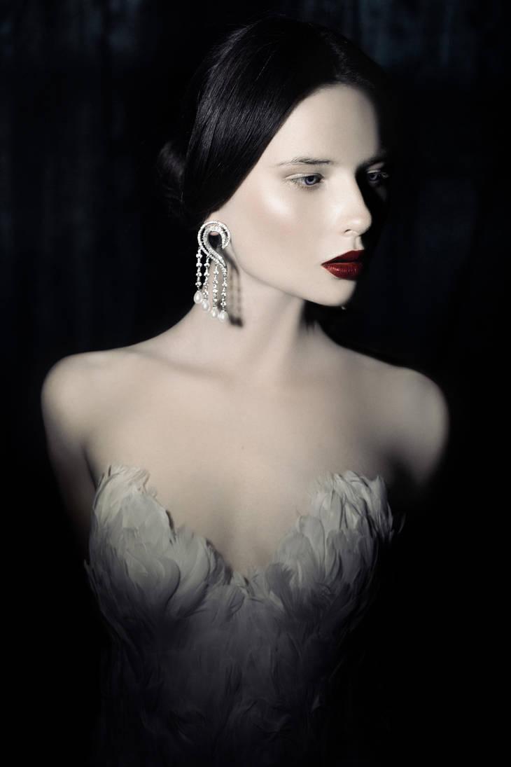 Swan II by Avine