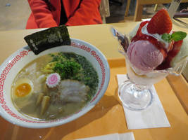J-World Cafe - Naruto ramen and Gintama parfait by xxayaneko