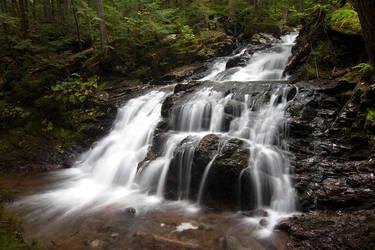 Gordon Falls by Delacorr