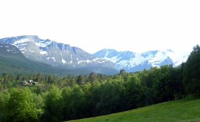 Mountains by BlackDiamondOne