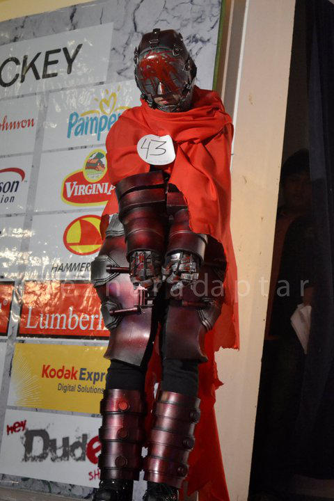 DWL - Red Man : Chained by Karumaru