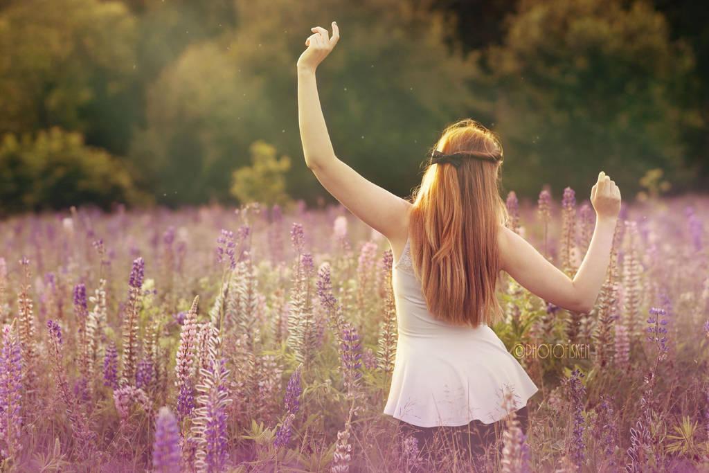 Flowerdancing by photofisken