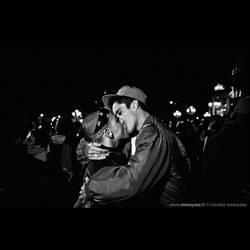 Le baisier de l'Hotel de Ville by audeladesombres