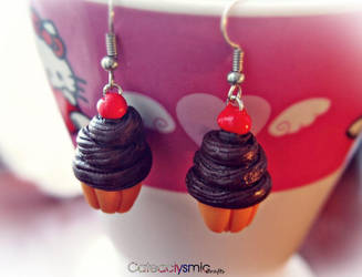 Chocolate Cupcake Earrings by Cateaclysmic