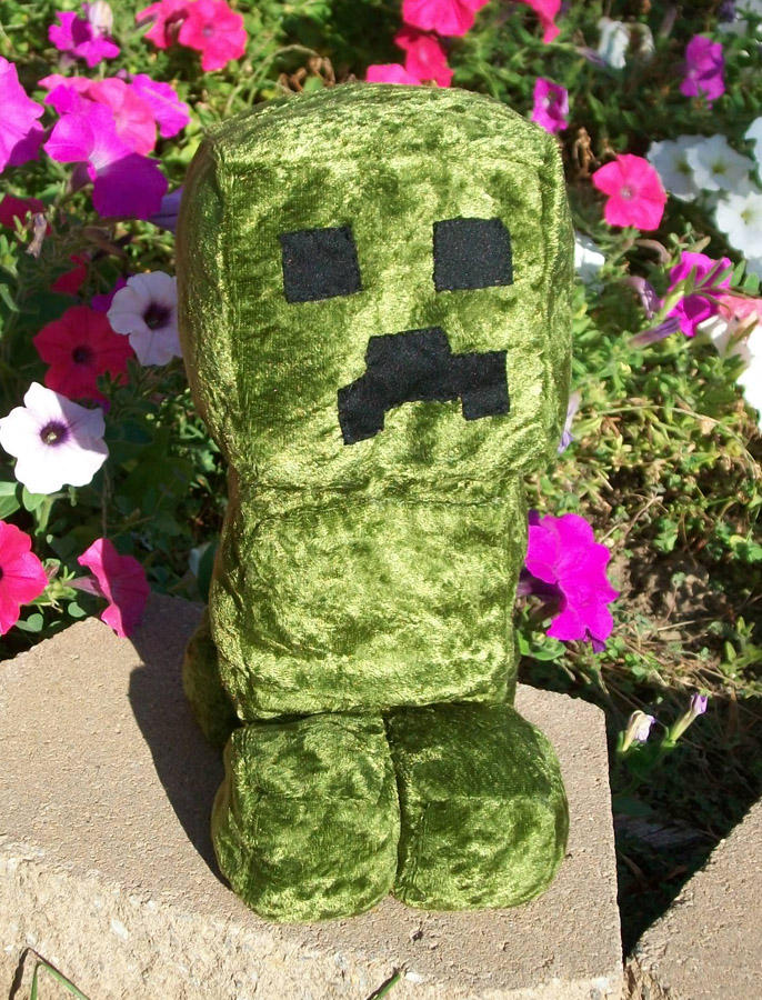 Minecraft - creeper plush by Kobb