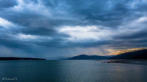 Let the rain fall down... by yluvatar