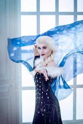 Queen Elsa by saend-me-money