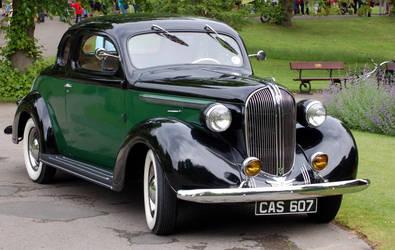 Vintage Car by sicklittlemonkey