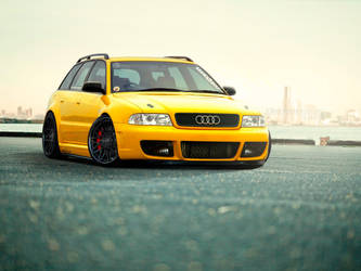 Audi RS4 by 1R3bor