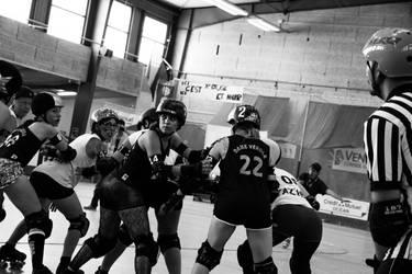 Roller Derby ! - Contact by SoZuKiTa