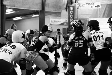 Roller Derby - Elles sont ou les paillettes ? by SoZuKiTa