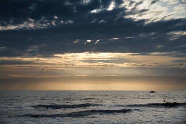 Sea by SoZuKiTa
