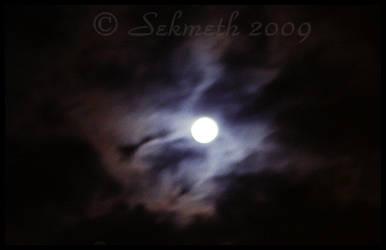 Moon's Spell by Sekmeth