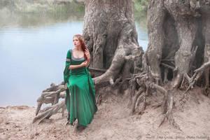 Elven queen_2 by GreatQueenLina
