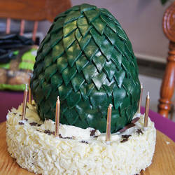 Game of Thrones - Dragon Egg Cake by The-Ribboned-One