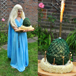Daenerys Costume / Dragon Egg Cake by The-Ribboned-One