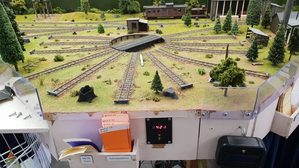 A Semi-Automatic Turntable with Arduino - Model Railroader