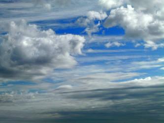 Beautiful clouds by cirelin