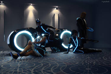 Tron: Legacy group by greyloch-md
